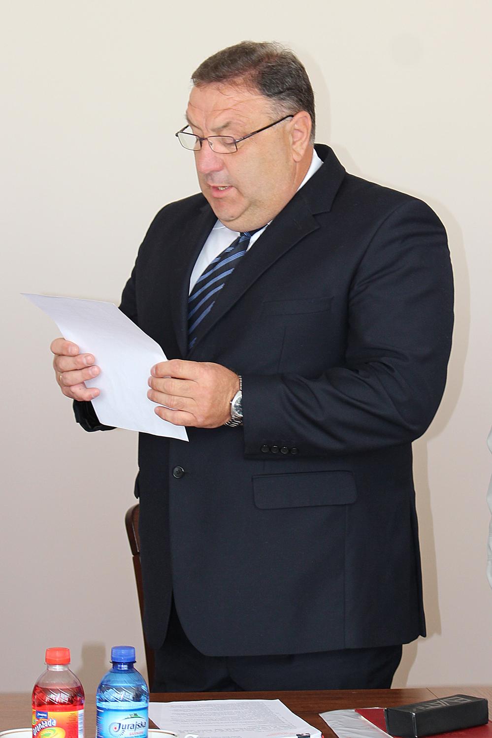 Ślubowanie nowo wybranego radnego wwyborach uzupełniających do Rady Gminy Konopnica