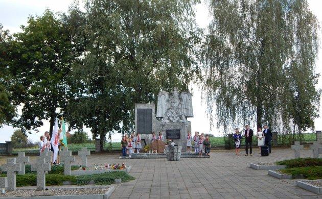 Uroczystości na cmentarzu wojennym wKonopnicy