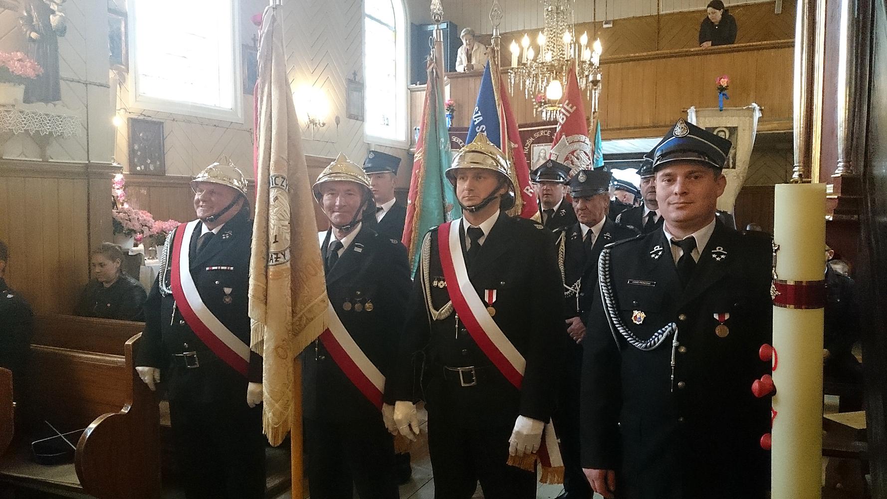 Parafialne obchody Dnia Strażaka wRychłocicach