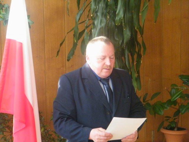 Ślubowanie radnego wybranego wwyborach uzupełniających do Rady Gminy Konopnica