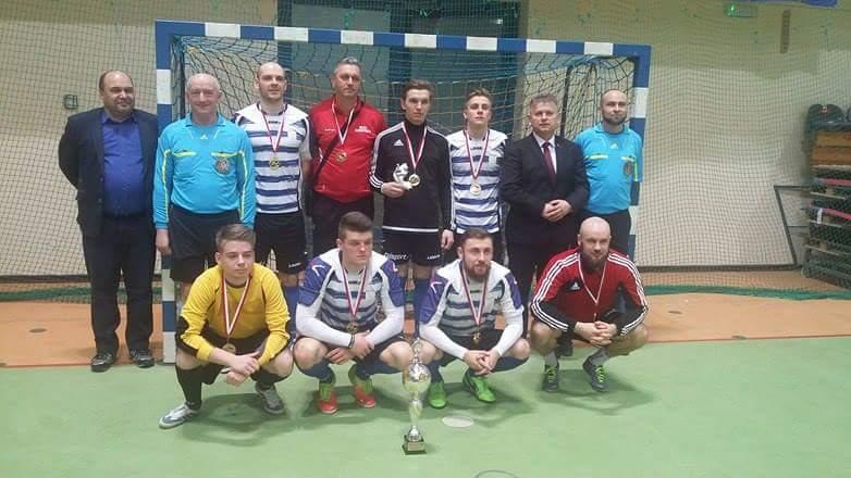 MLKS Konopnica Mistrzem Powiatu Wieluńskiego wHalowej Piłce Nożnej Zrzeszenia LZS